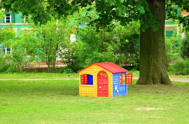 domek dla dzieci plastikowy